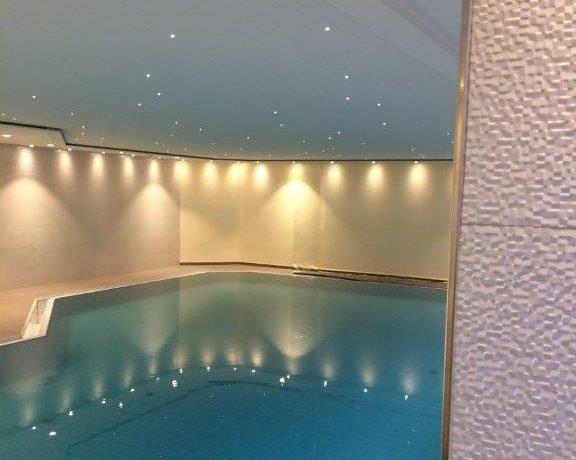 Bild von einem lackierten Schwimmbad