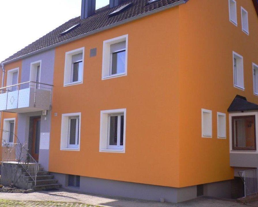 Bild eines sanierten, alten Haus
